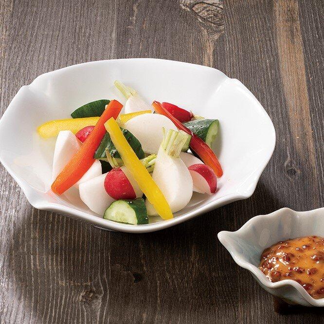 もろ味噌マヨで食べる彩り野菜盛合せ