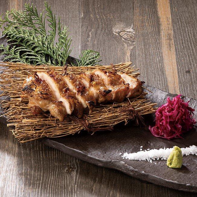 国産鶏もも肉の藁焼き