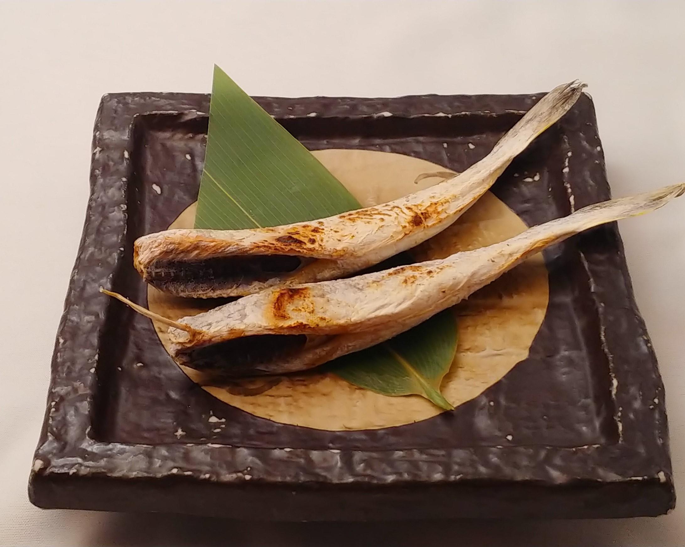生干し氷下魚(こまい)の炙り焼き