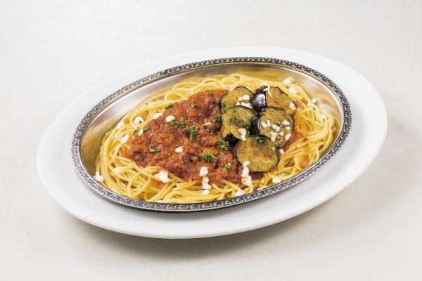 茄子とモッツァレラのミートソーススパゲティ