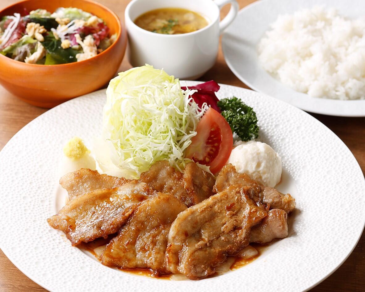 ポーク生姜焼き<ディナーセット> ライスorパン/サラダ/スープ付き