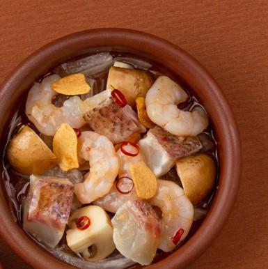 海老と真鯛のアヒージョ