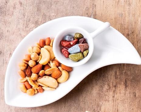 ミックスナッツ&小石のチョコ