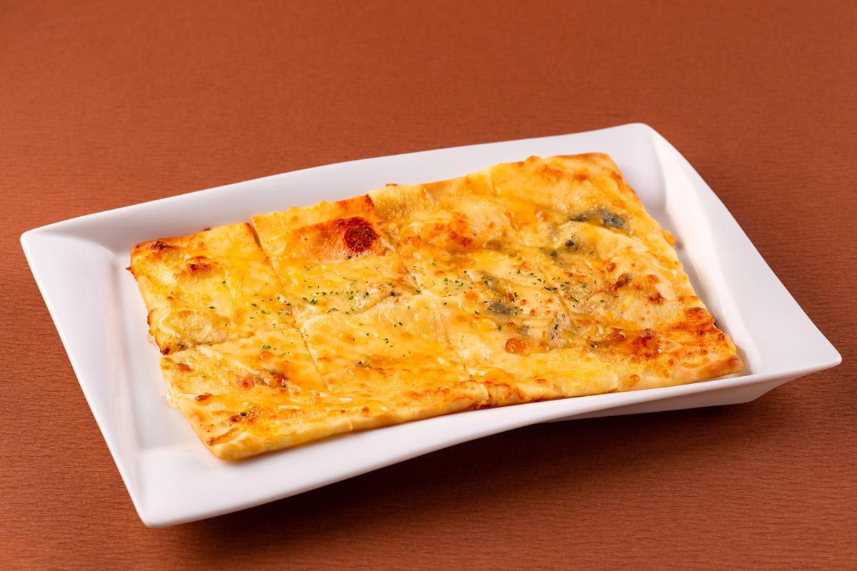6種のチーズピザ~蜂蜜の香り~