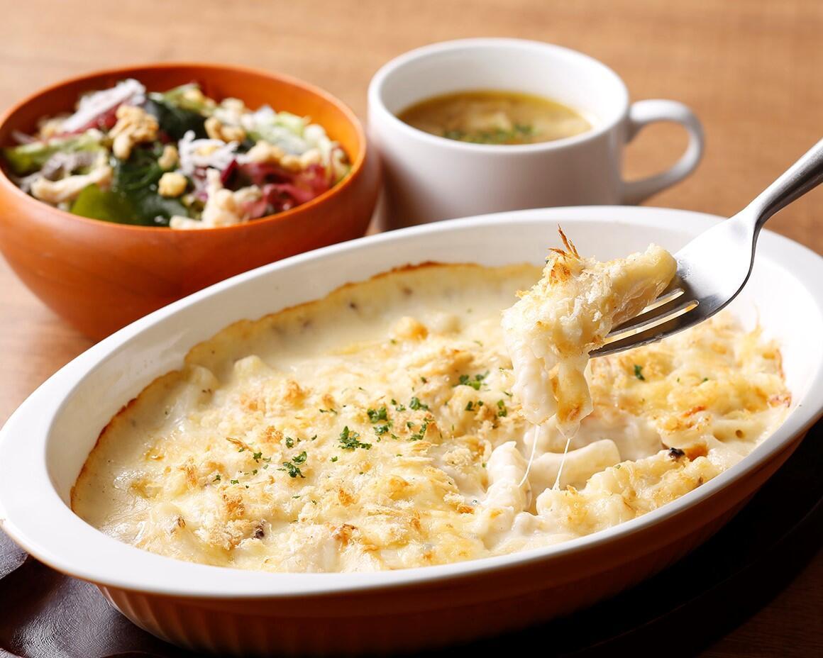 シーフードマカロニグラタン<スープ・サラダセット> サラダ/スープ付き