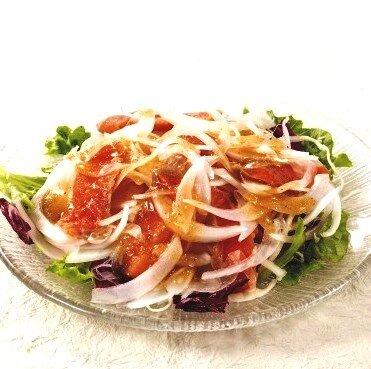 王子スモークサーモンと玉ねぎのサラダ
