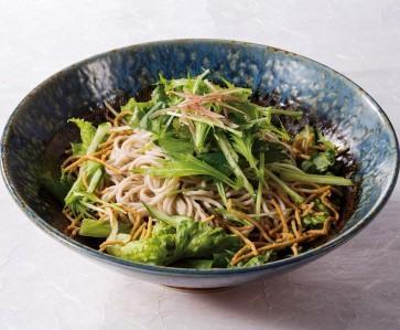 信州蕎麦のサラダ