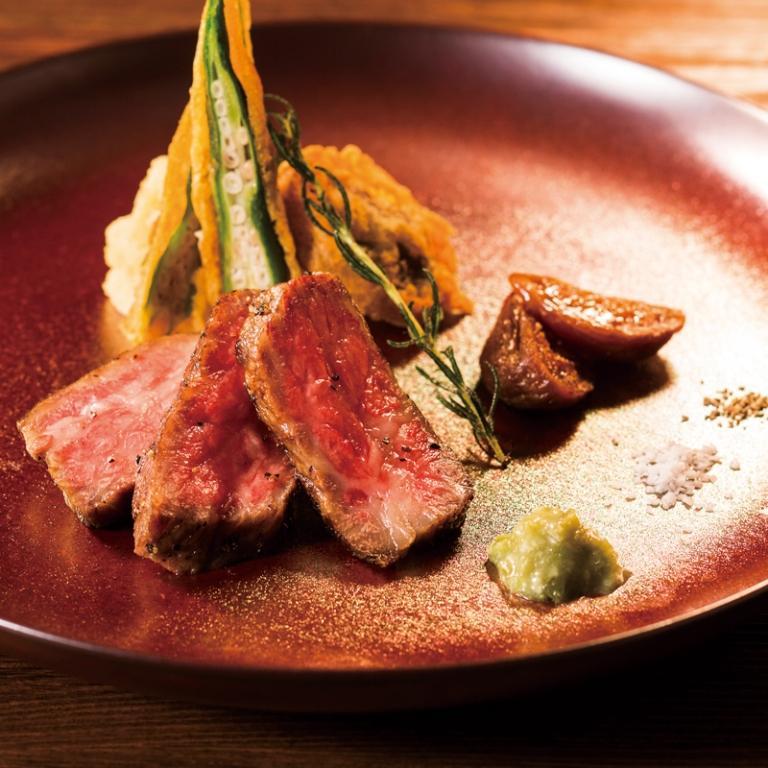 軽く炙った飛騨牛のレアステーキ(60g)