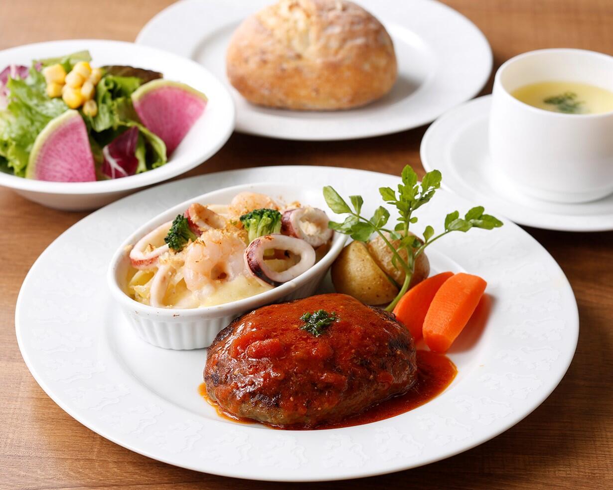 ハンバーグ&シーフードペンネグラタン <ディナーセット>  ライスorパン/サラダ/スープ付き