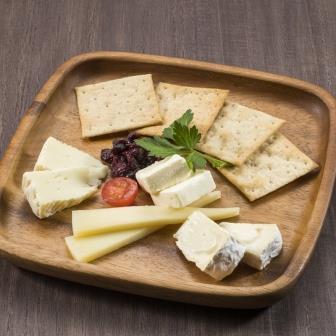 北海道チーズ盛合せ