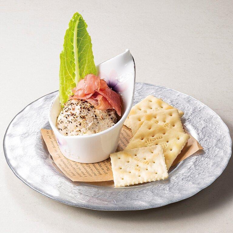 ブラックペッパーとクリームチーズのポテトサラダ