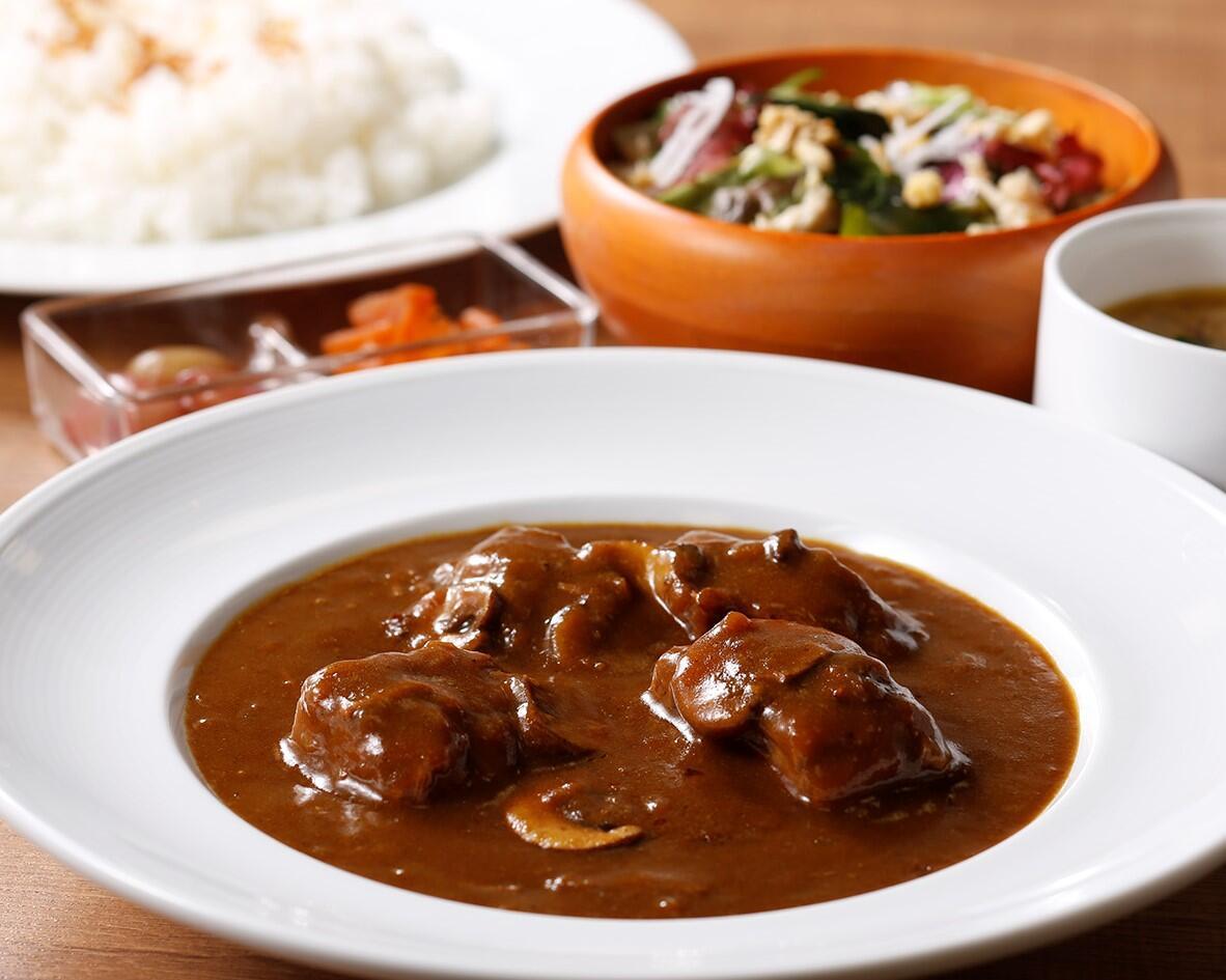 和牛のビーフカレー<スープ・サラダセット> サラダ/スープ付き