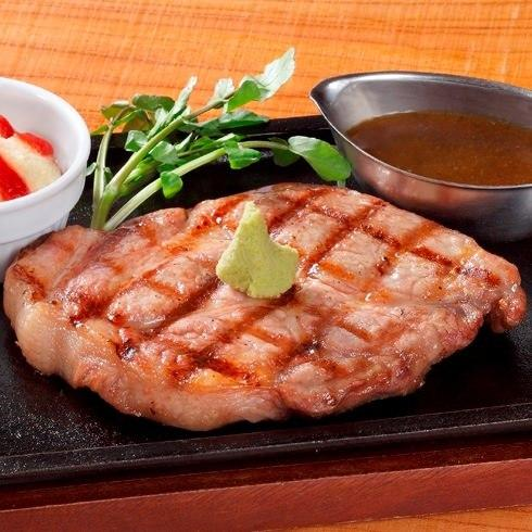 山形豚のステーキ