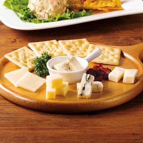 5種チーズの盛合せ