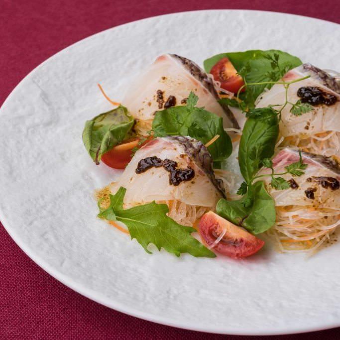みかん鯛のカルパッチョ 昆布のソース