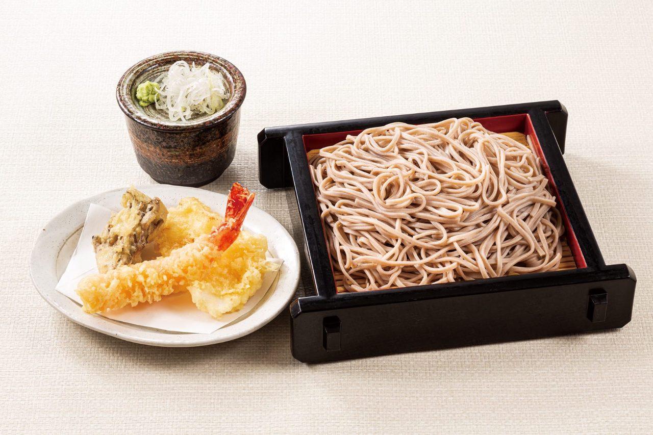 冷やし天ぷら蕎麦(海老・イカ・舞茸)