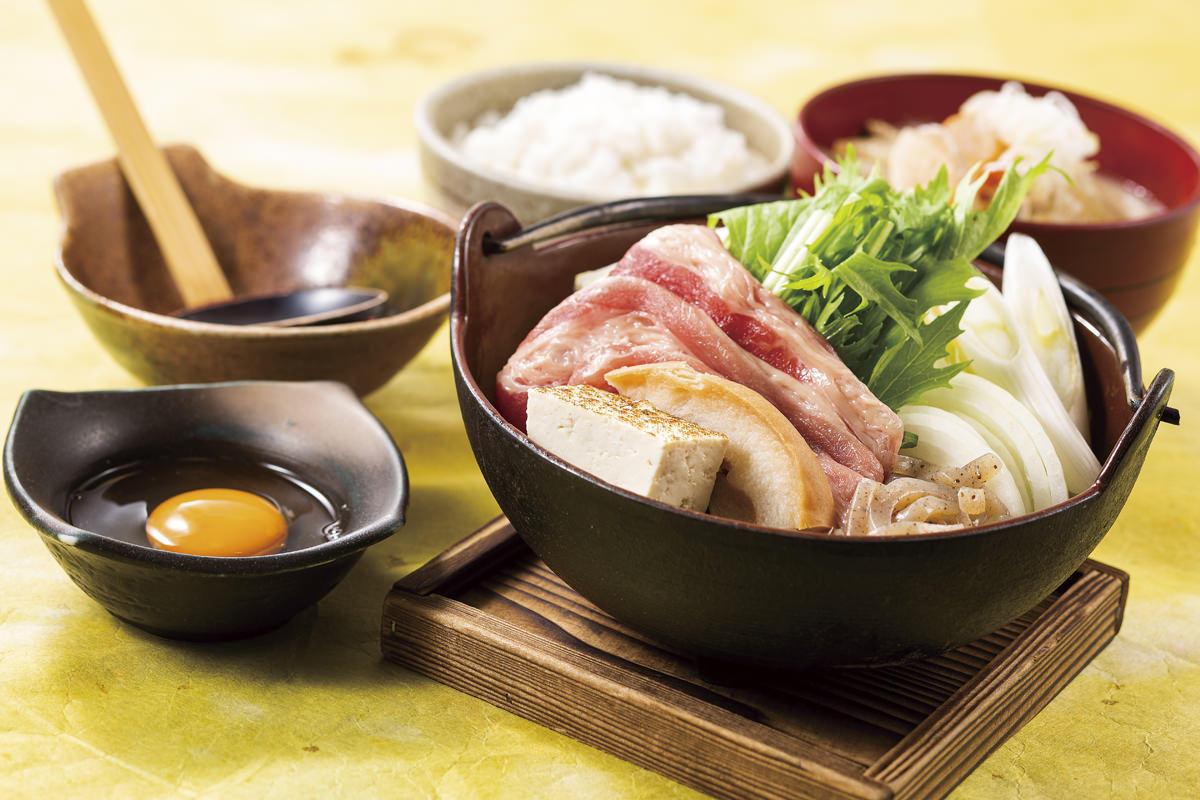 牛すき煮と豚汁御膳(ドリンクバー付)